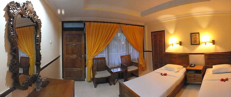 Palm Beach Hotel, Tuban, Indonesia, Indonesia hostels and hotels