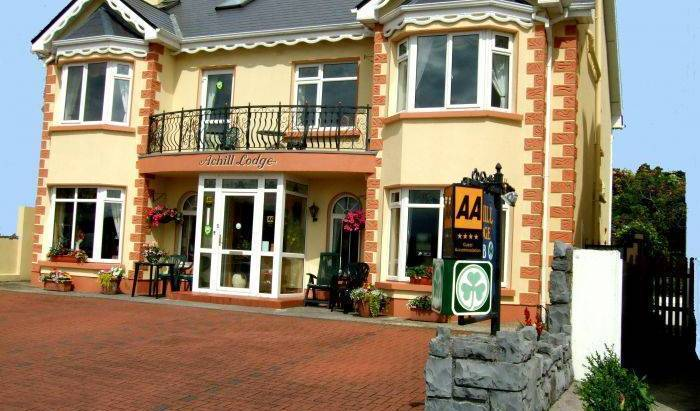 Achill Lodge 4 Star Guesthouse - Get cheap hostel rates and check availability in Claddagh 9 photos