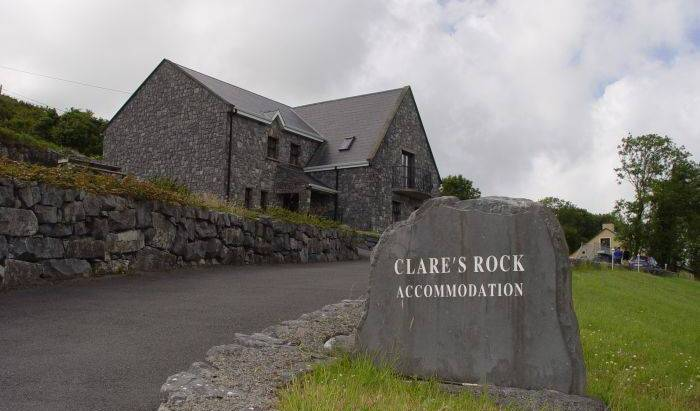 Clares Rock Hostel Andbudget B and B, discount travel 20 photos