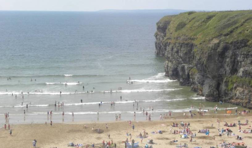 Sea Crest Budget Accommodation -  Ballybunion, bed & breakfasts with breakfast 9 photos