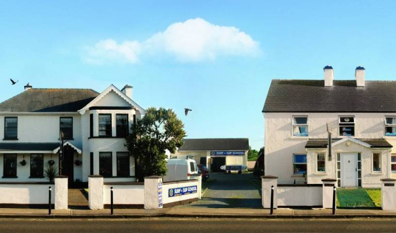 Strandhill Lodge, Hostel and Surf School - Get cheap hostel rates and check availability in An Leathros 7 photos
