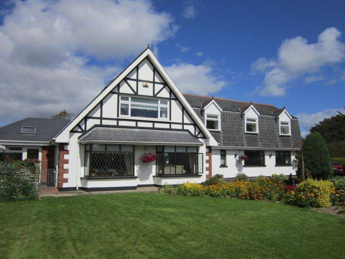 Lurriga Lodge, Adare, Ireland, what is a hotel? Ask us and book now in Adare