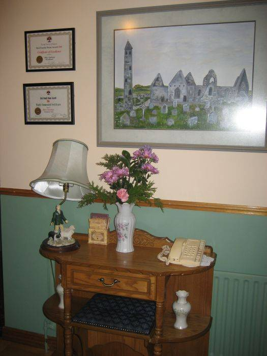 Woodlands Bed and Breakfast, Cahermore, Ireland, cool backpackers hostels for every traveler who's on a budget in Cahermore