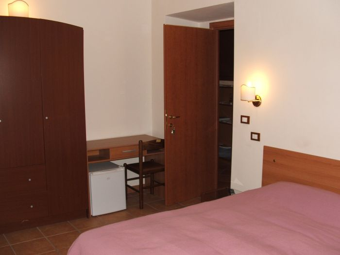 Accommodations Rome, Rome, Italy, Italy hostels and hotels