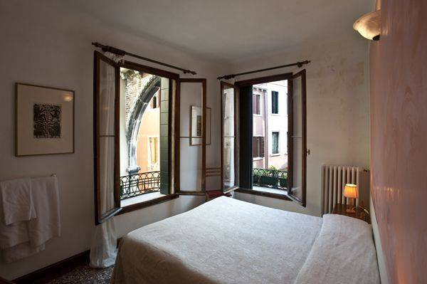 Albergo San Samuele, Venice, Italy, bed & breakfast deal of the year in Venice