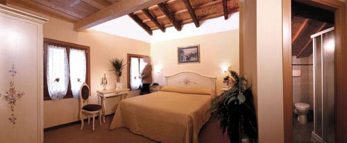 Al Gallo, Venice, Italy, preferred bed & breakfasts selected, organized and curated by travelers in Venice