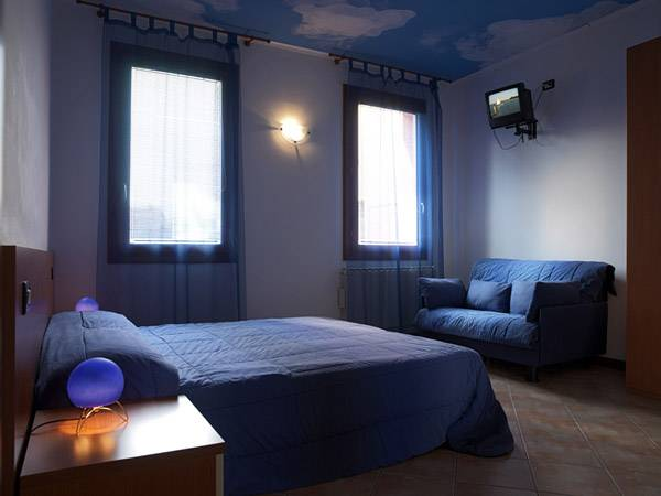 Al Giardino Bed and Breakfast, Venice, Italy, what are the safest areas or neighborhoods for bed & breakfasts in Venice