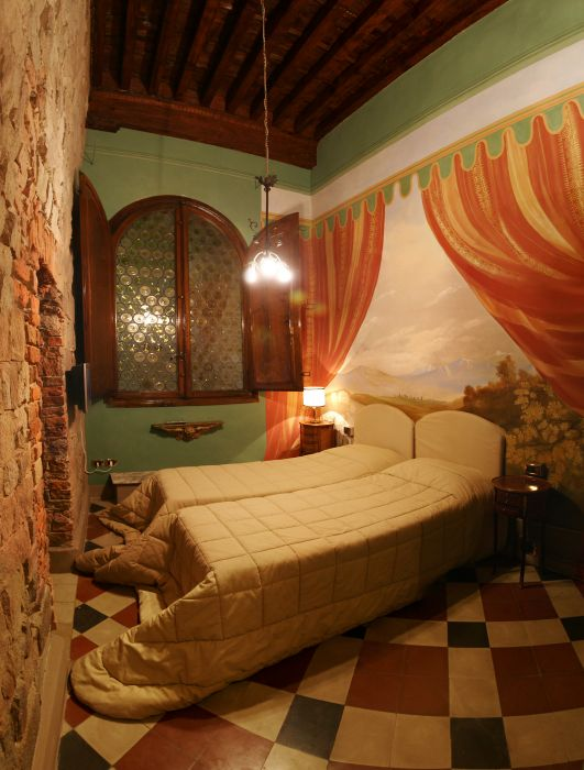 Alle Bifore Guest House, Lucca, Italy, Italy hostels and hotels