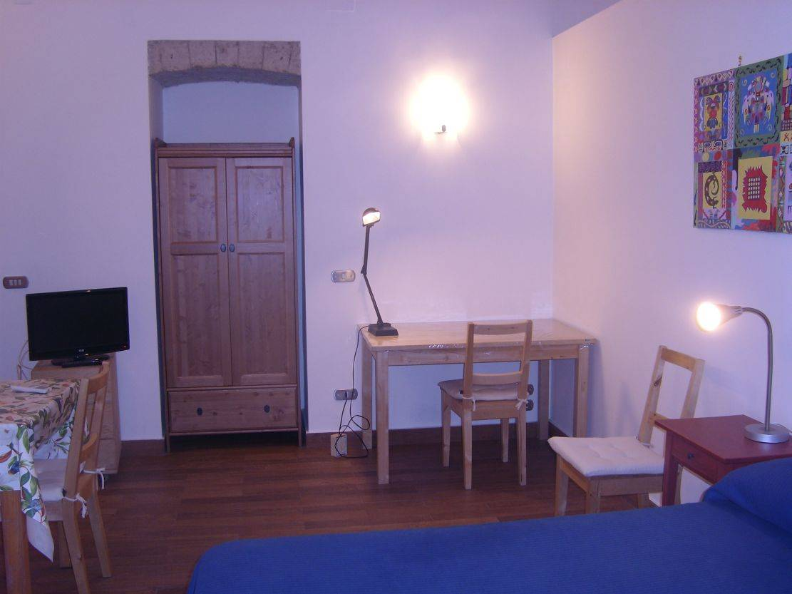 Amedeo, Napoli, Italy, big savings on hostels in destinations worldwide in Napoli