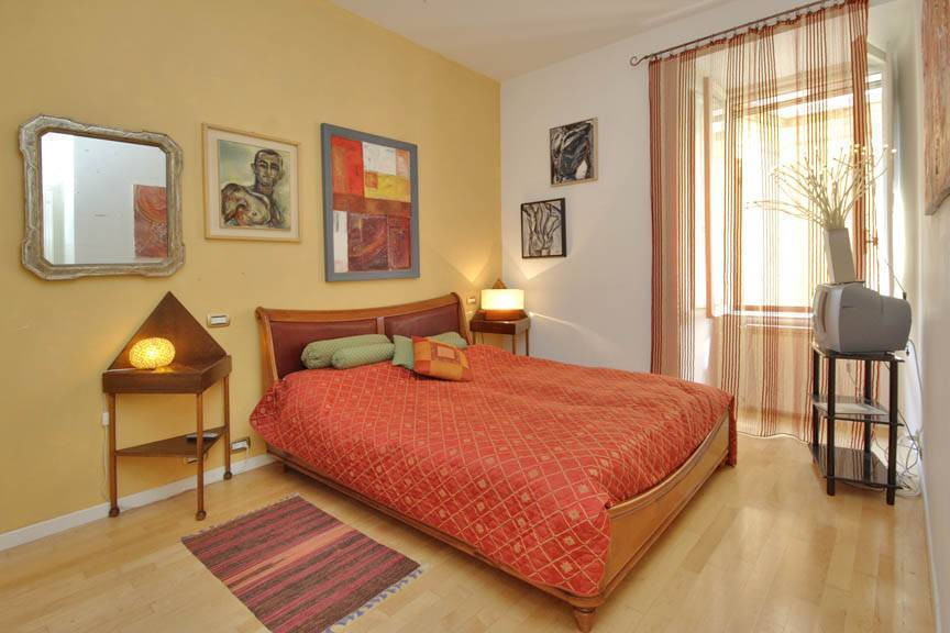 Apartment Vespucci, Rome, Italy, live like a local while staying at a hostel in Rome