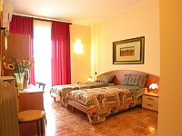 Aurora Bed And Breakfast, Lecce, Italy, bed & breakfasts with free wifi and cable tv in Lecce