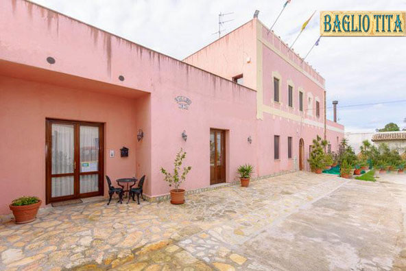 Baglio Tita, Trapani, Italy, bed & breakfasts with non-smoking rooms in Trapani