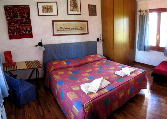 B and B Ai Glicini, Ciampino, Italy, bed & breakfast deal of the week in Ciampino