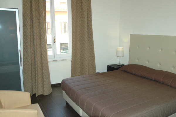 BB Castro Pretorio, Rome, Italy, today's hot deals at hostels in Rome