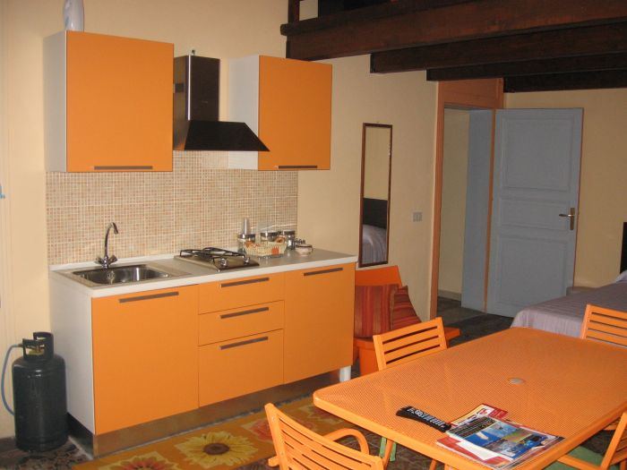 B and B Centrale, Trapani, Italy, Italy hostels and hotels