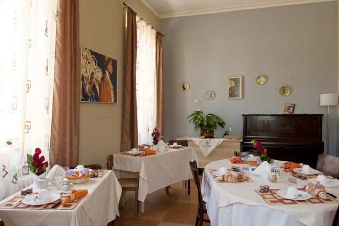 B and B Principe Calaf, piazzano lucca, Italy, bed & breakfasts near the museum and other points of interest in piazzano lucca