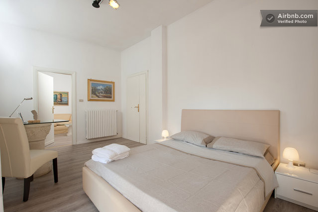 B and B The Apartment, Lecce, Italy, bed & breakfasts and hotels for mingling with locals in Lecce