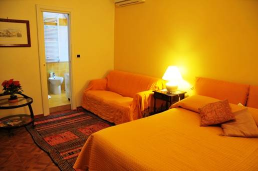 BB La Bouganville, Napoli, Italy, Italy hostels and hotels