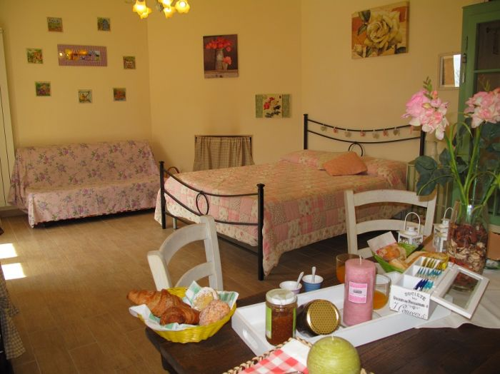 BB La Casa di Noemi, Pietrasanta, Italy, fast and easy bookings in Pietrasanta
