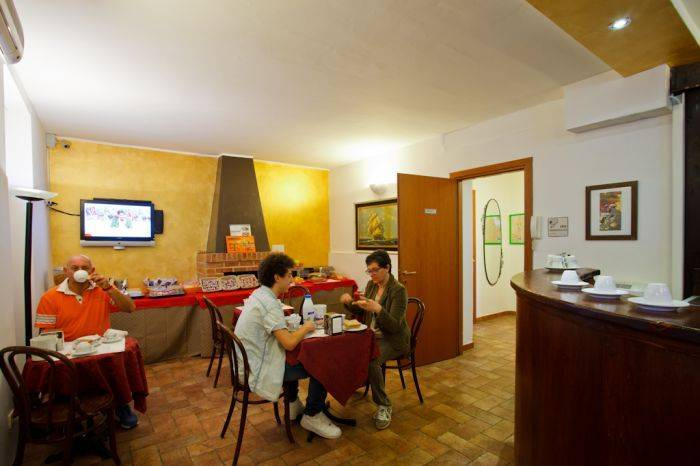 Bed and Bed Milano, Milan, Italy, affordable motels, motor inns, guesthouses, and lodging in Milan