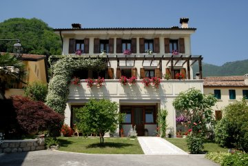 Bed and Breakfast Ernestina, Miane, Italy, Italy hostels and hotels