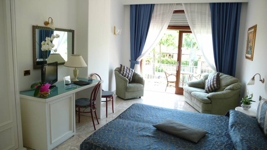 Bougainville, Anacapri, Italy, reserve popular bed & breakfasts with good prices in Anacapri