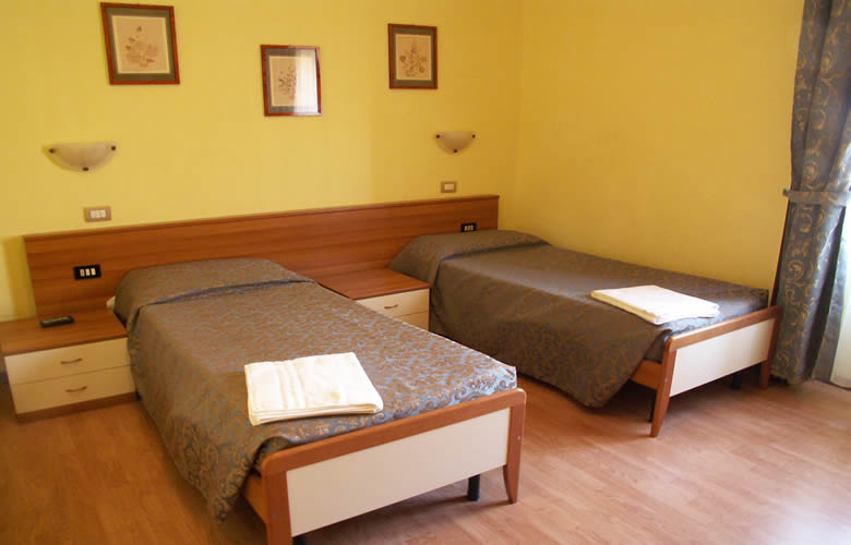 Brasil Hotel Milano, Milan, Italy, affordable backpackers hostels in Milan