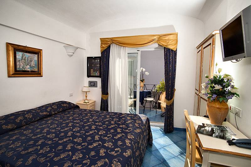 Bussola Di Hermes, Capri, Italy, hostels with free breakfast in Capri