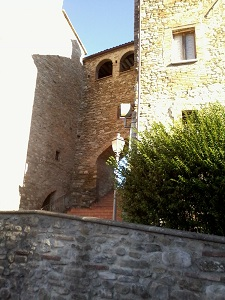 Castello del Barone di Beaufort, Belforte all'Isauro, Italy, youth hostels, motels, backpackers and B&Bs in Belforte all'Isauro