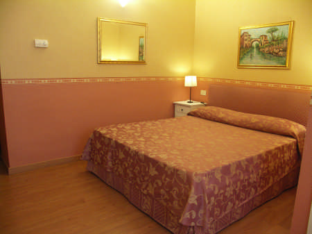 Ciopik's House, Florence, Italy, bed & breakfasts for ski trips or beach vacations in Florence