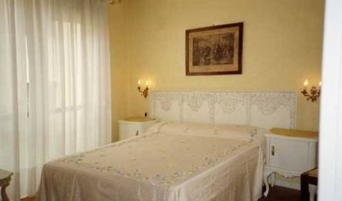 Accademia - Get cheap hostel rates and check availability in Bergamo, youth hostel 5 photos