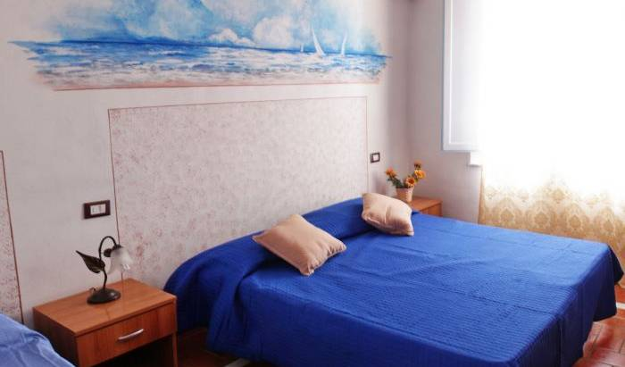 Affittacamere Leopolda -  Pisa, popular locations with the most bed & breakfasts in Livorno (Leghorn), Italy 13 photos