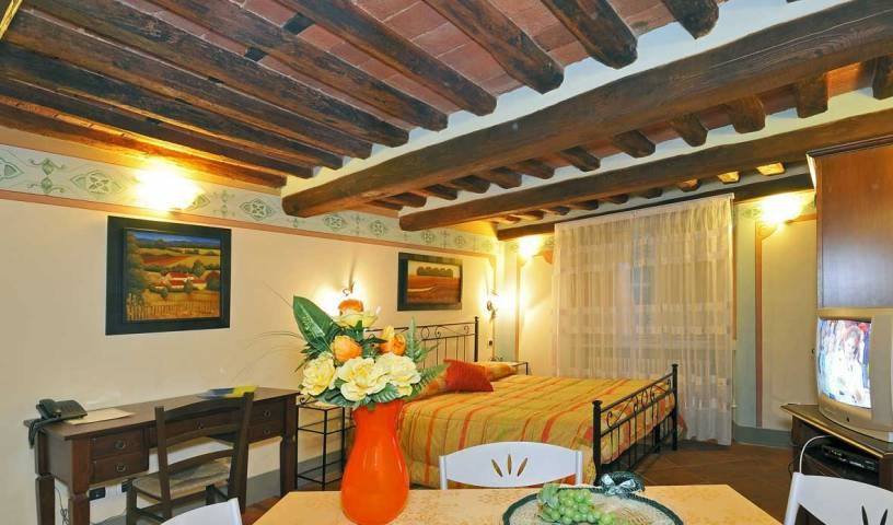 Antica Residenza Del Gallo - Get cheap hostel rates and check availability in Lucca 18 photos