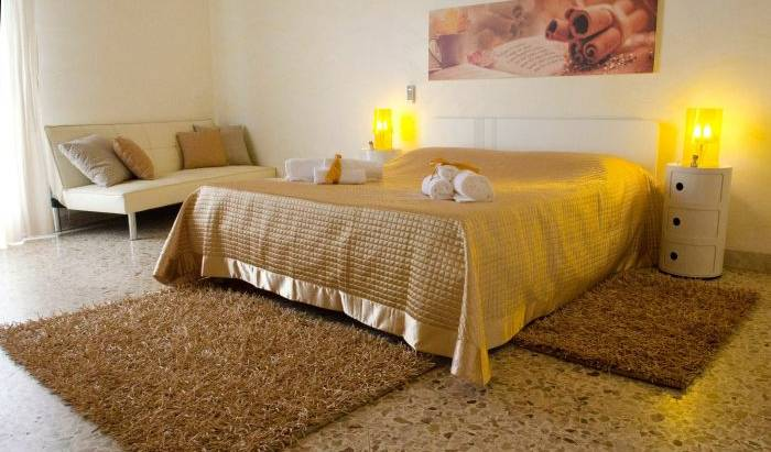 B and B Aromi Diversi -  Trapani, bed & breakfasts near historic landmarks and monuments in Paceco, Italy 31 photos