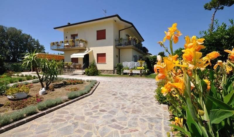 BB Miami Beach -  Pietrasanta, Portovenere, Italy bed and breakfasts and hotels 6 photos