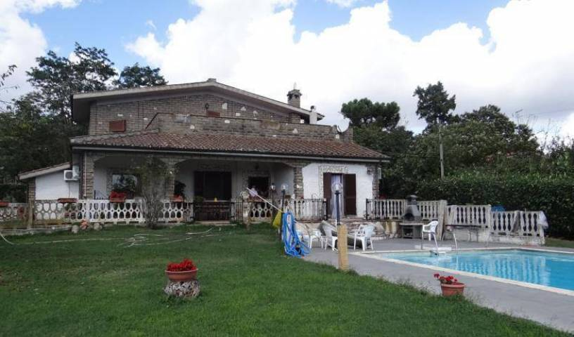 B E B Montegelato - Get cheap hostel rates and check availability in Nepi 11 photos