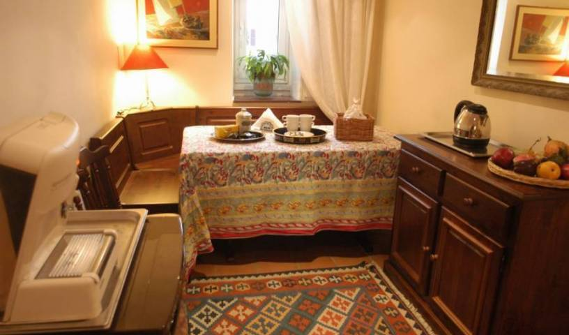 Bed And Breakfast A Casa Di Lia - Search available rooms and beds for hostel and hotel reservations in Rome 3 photos