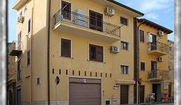 Bed and Breakfast A Chiazza, join the best hostel bookers in the world in Racalmuto, Italy 2 photos