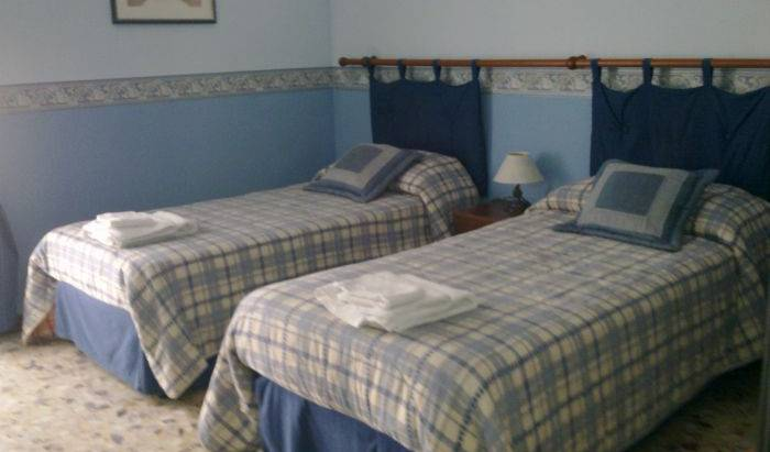 Bella Giulia - Search available rooms and beds for hostel and hotel reservations in Ragusa, backpacker hostel 5 photos