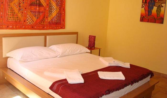 Butterfly Accommodation - Search for free rooms and guaranteed low rates in Alghero 4 photos