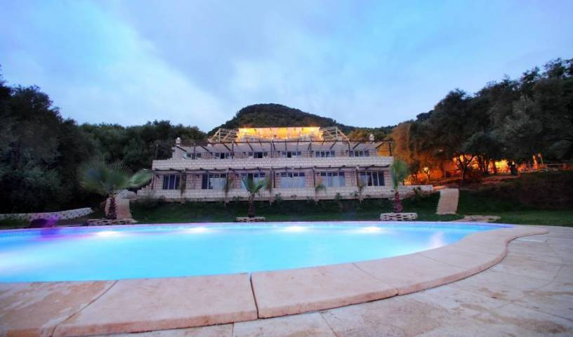 Caposperone Resort, bed & breakfast bookings at last minute in Gallico Marina, Italy 12 photos