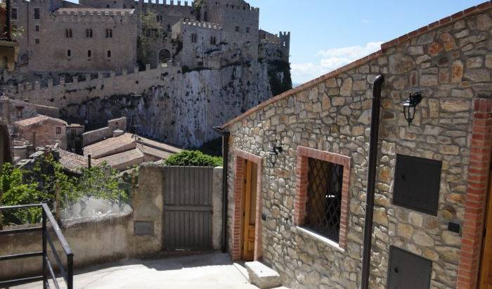 Casa Vcanze Caccamo - Get cheap hostel rates and check availability in Caccamo 11 photos