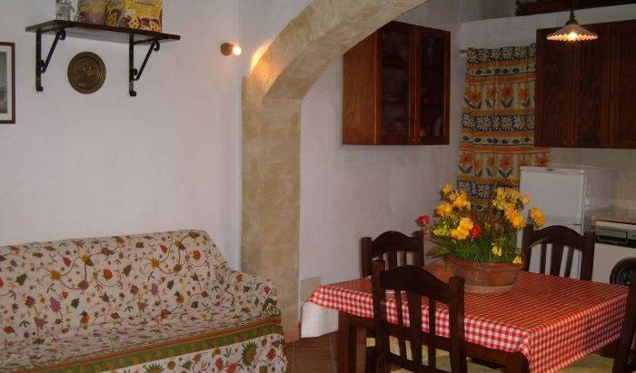 Case Vacanze La Rustica - Get cheap hostel rates and check availability in Buseto Palizzolo 15 photos