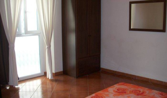 Galilei - Search available rooms and beds for hostel and hotel reservations in Airport Pisa, youth hostel 8 photos