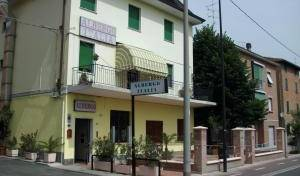 Hostel Italia -  Reggio Emilia, Emilia-Romagna, Italy bed and breakfasts and hotels 4 photos