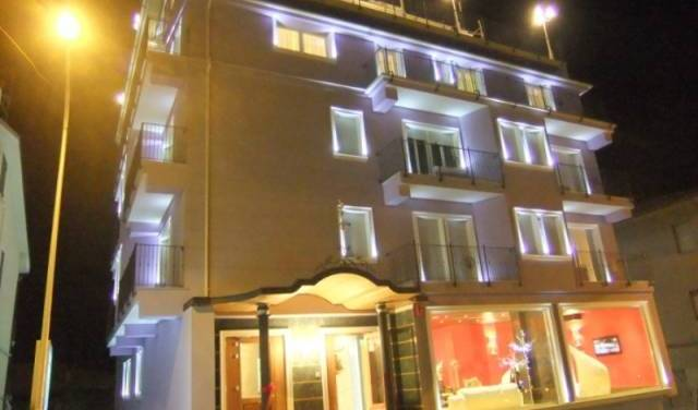 Hotel La Rosa Dei Venti - Search for free rooms and guaranteed low rates in Monte San Giusto, excellent hostels 14 photos