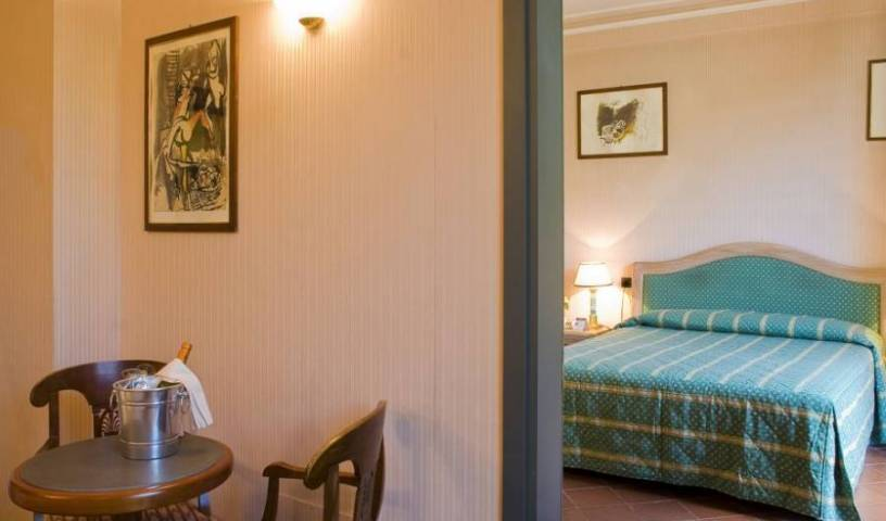 Hotel Panama - Search available rooms and beds for hostel and hotel reservations in Firenze, youth hostel 5 photos