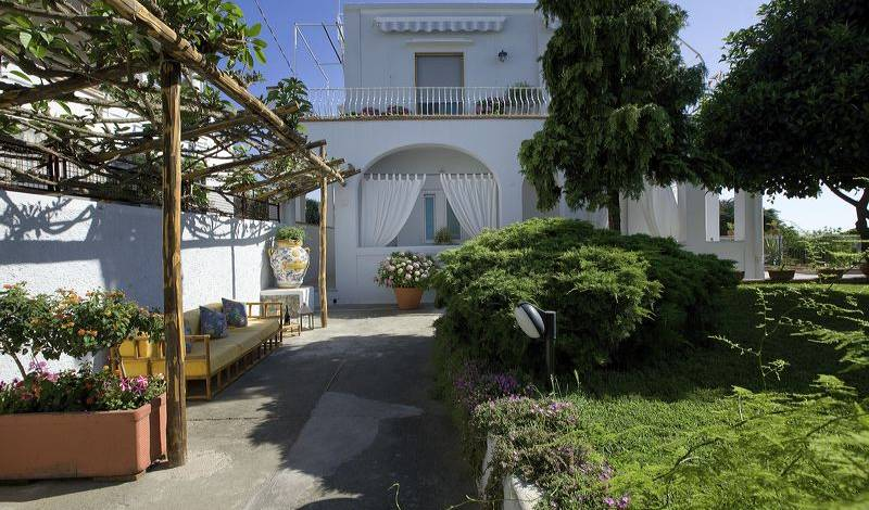La Giuliva - Search for free rooms and guaranteed low rates in Anacapri 5 photos