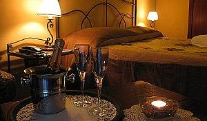 L'alloggio dei Vassalli Hotel, compare with the world's largest bed & breakfast sites in Napoli (Naples), Italy 7 photos
