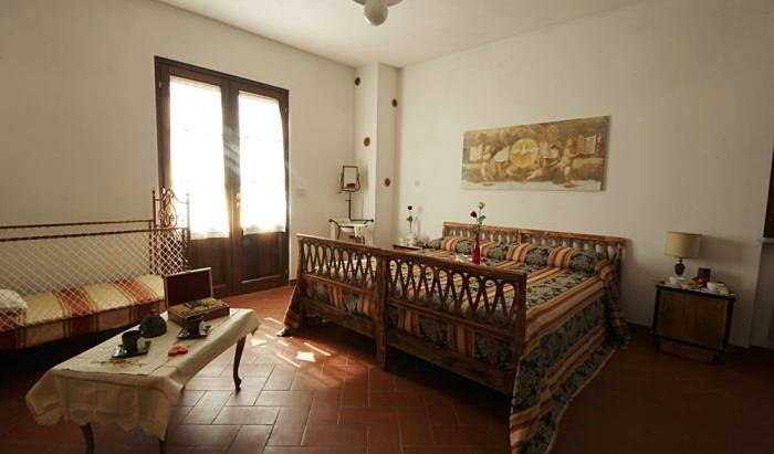 La Pensionada - Get cheap hostel rates and check availability in Pergine Valdarno 8 photos